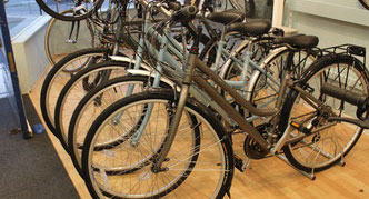 Accessori bici Morgan showroom
